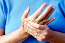 خدر في أصابع اليد اليمنى تتنافس حول الصحة على Ilive
